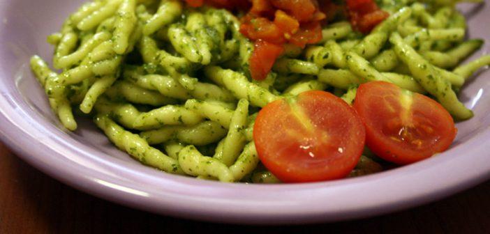 Ricetta Trofie con Pesto & Pomodorini