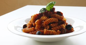 Ricetta Fusilli con Capperi & Olive