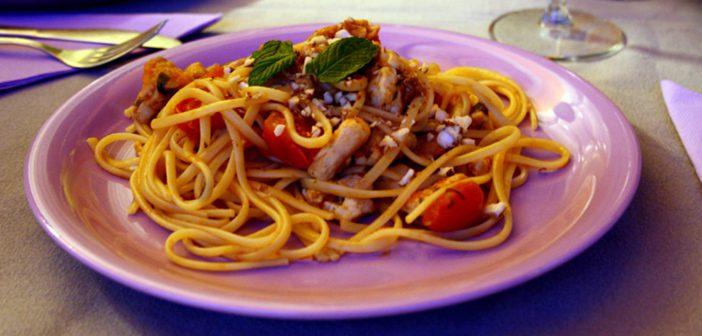 Ricetta Spaghetti con pesce spada, pomodorini e mandorle croccanti!