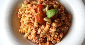Fusilli al Pesto Rosso! by Confoodential