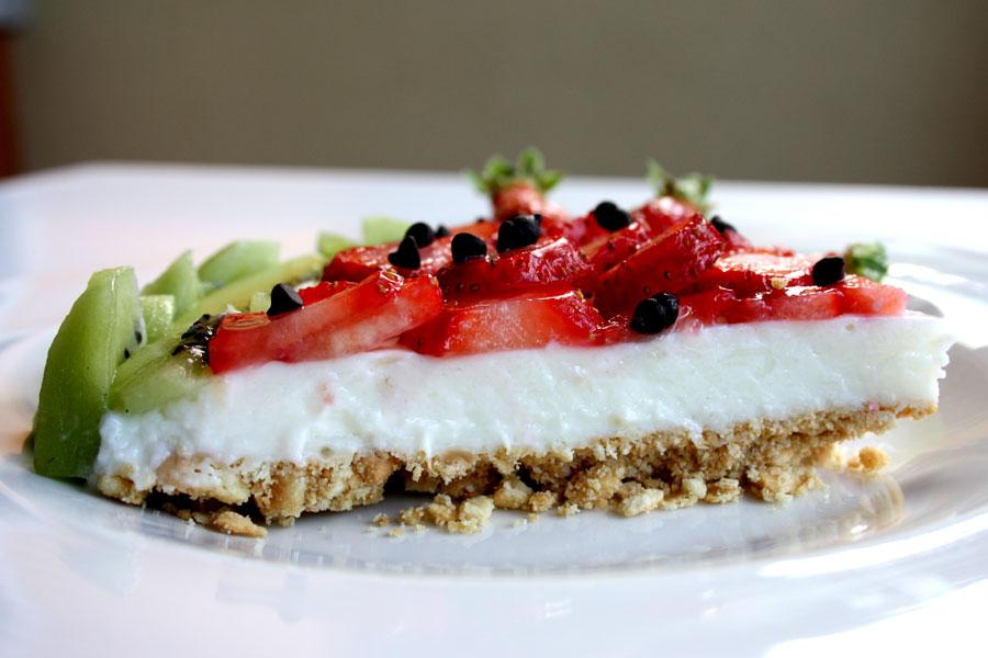Ricetta Cheesecake fredda con fragole e kiwi