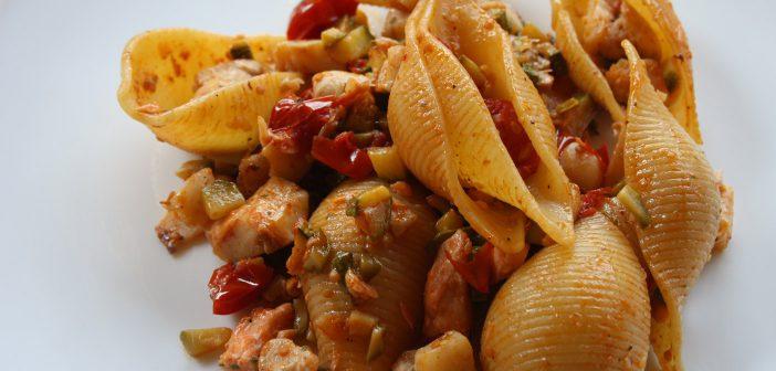 Ricetta conchiglioni al sugo di pesce e zucchine