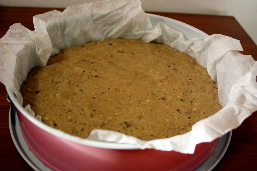 Preparazione torta cioccolato e nocciole