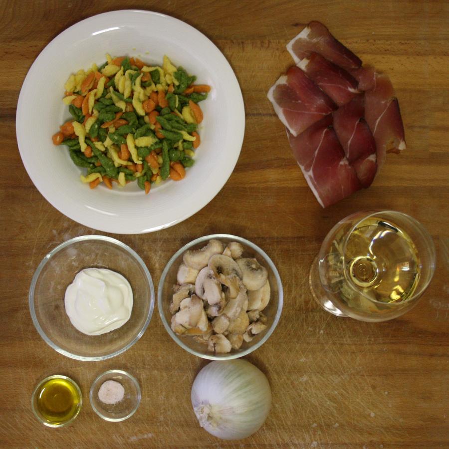Ingredienti ricetta spaetzle speck e funghi