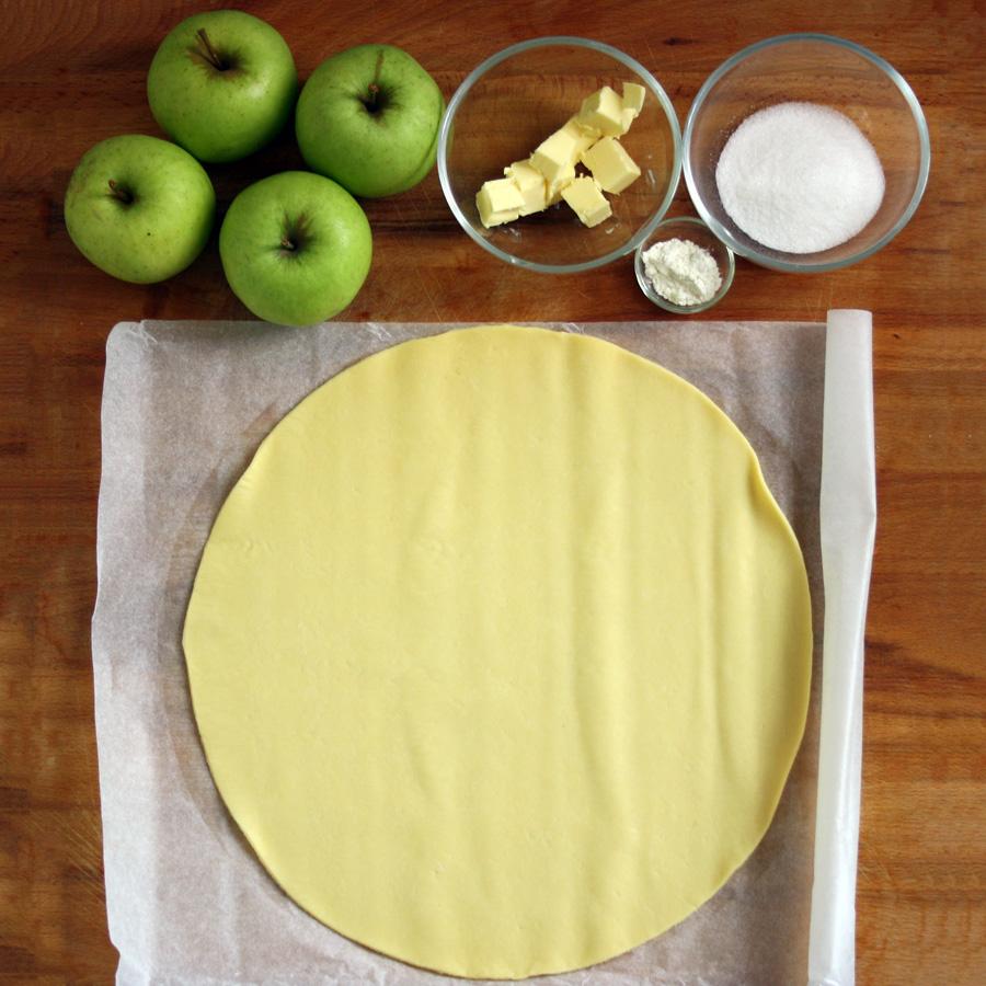 Ingredienti torta di mele con pasta sfoglia
