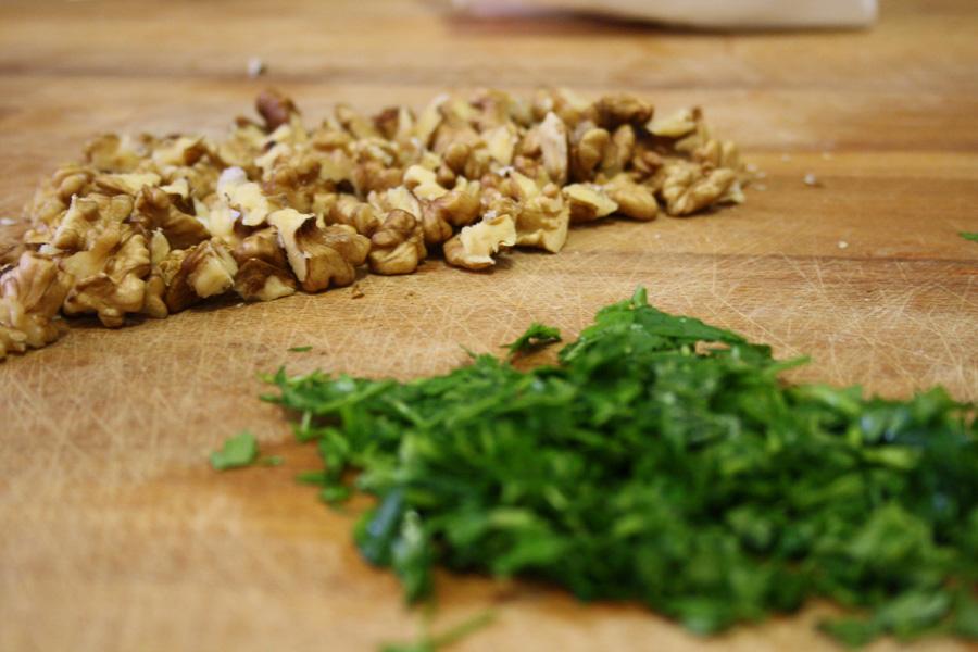 Ingredienti ricetta tagliatelle funghi e noci