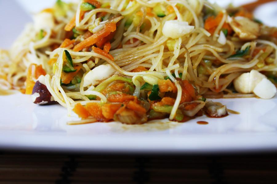 Ricetta spaghetti di riso con verdure