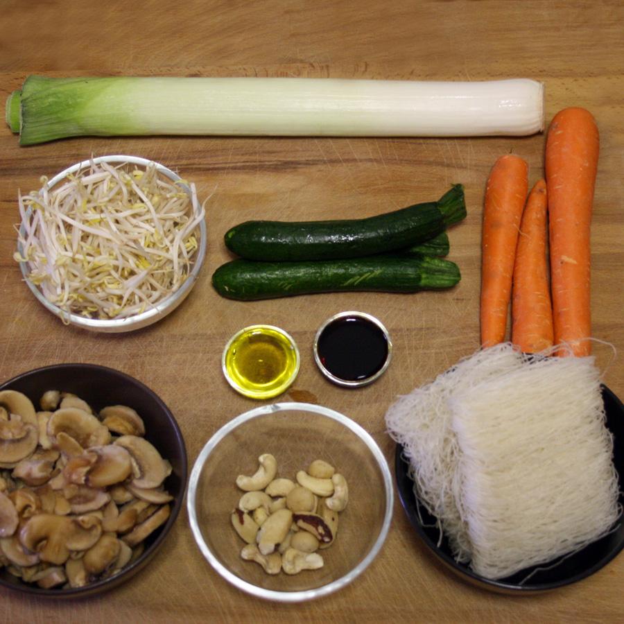 Ingredienti ricetta spaghetti di riso con verdure