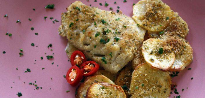 Merluzzo al forno con patate con panatura speziata!