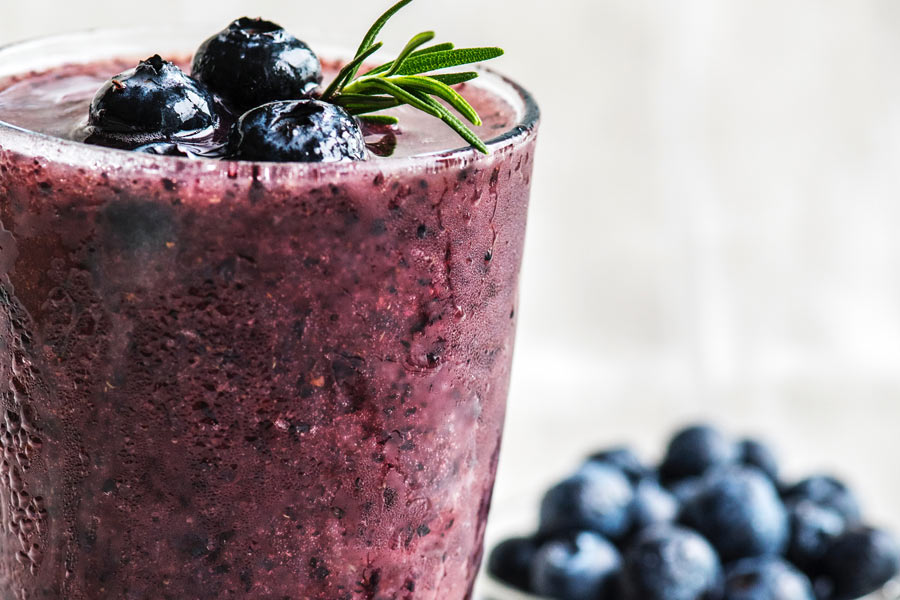 5 idee per una colazione sana: frullato ai mirtilli