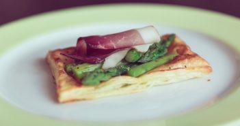 Antipasti con pasta sfoglia: 5 idee buonissime e veloci da preparare