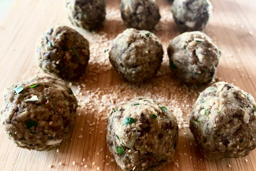 Polpette di lenticchie su crema di zucca, provale questa sera!