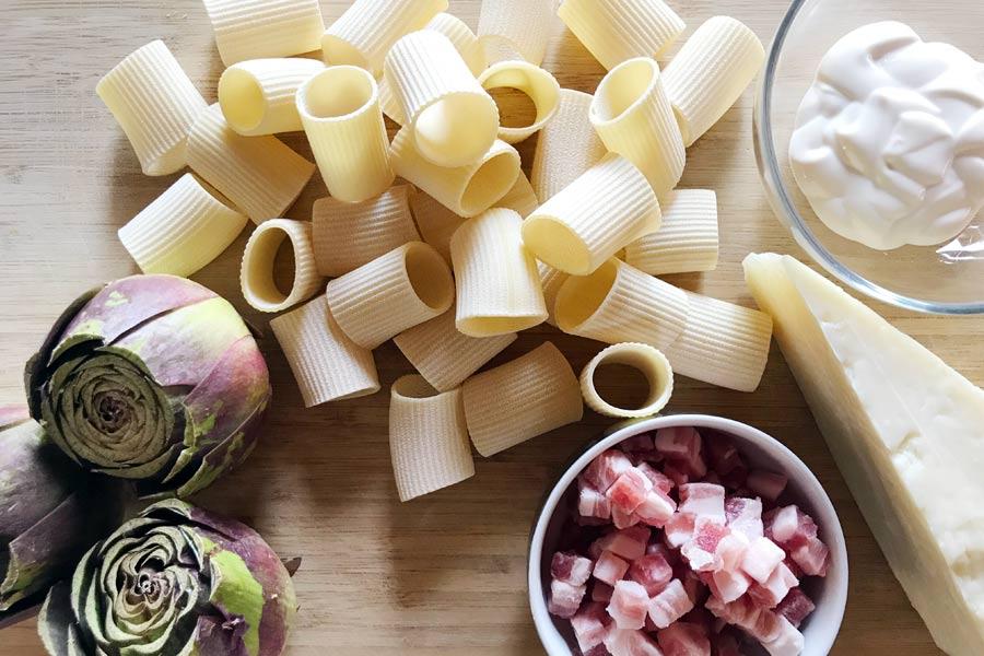 Pasta con carciofi, pancetta e crema di pecorino!