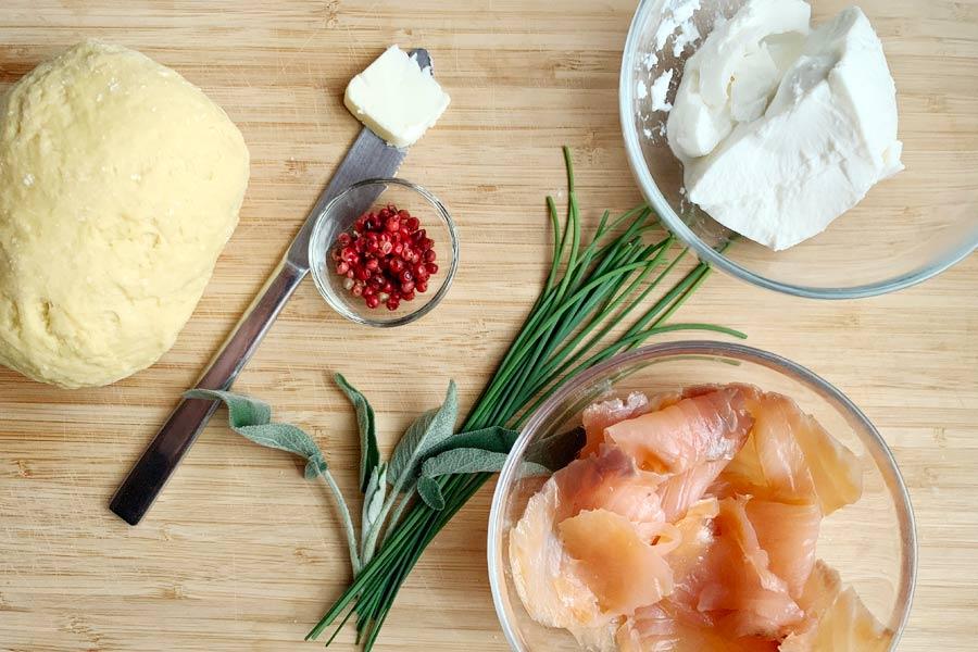 Ravioli al salmone, ricotta e pepe rosa: la ricetta in 5 passi!