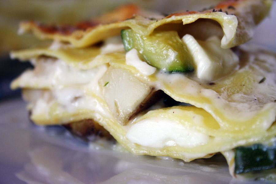 Lasagna bianca con zucchine e topinambur