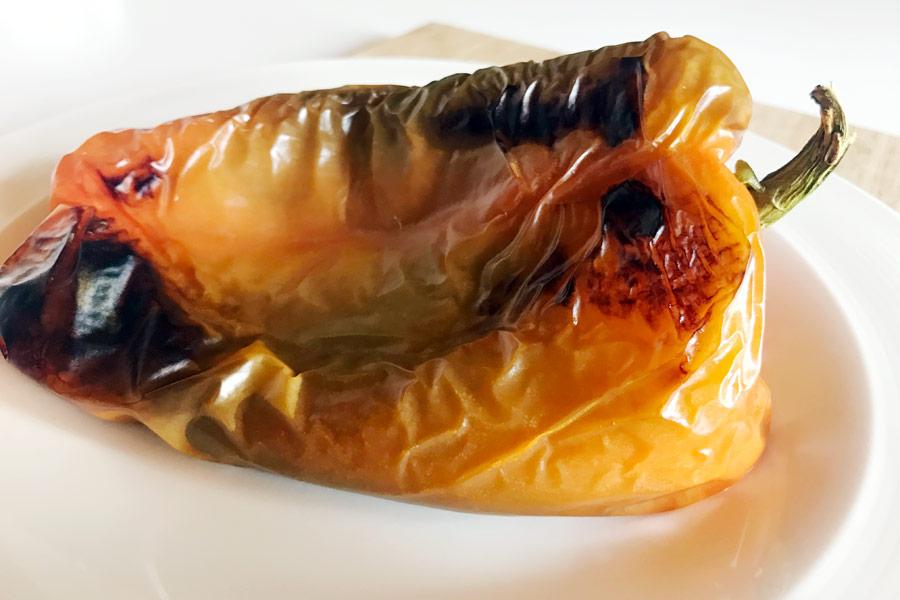 Pasta con crema di peperoni e stracciatella
