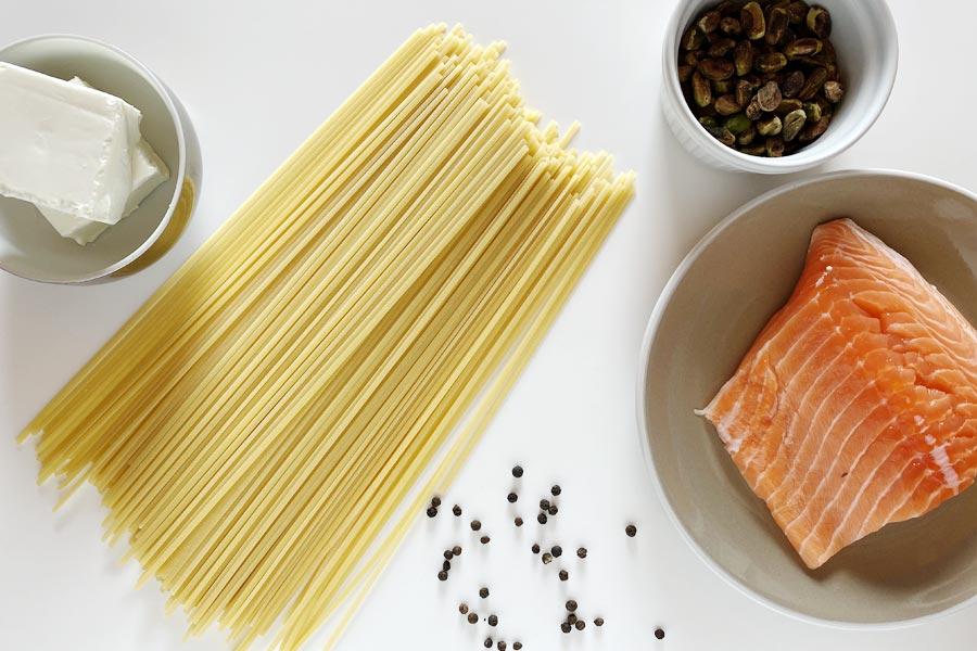 Pasta salmone e pistacchi